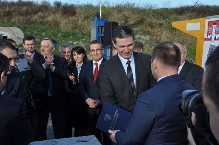 Marszałkowie podpisali porozumienie dotyczące mostu w Nowym Korczynie