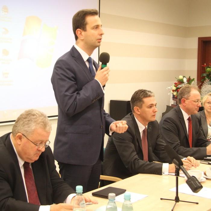 Minister pracy i polityki społecznej odwiedził Świętokrzyskie