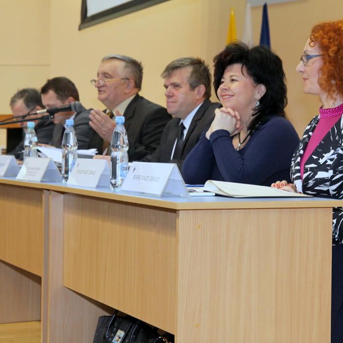 Radni o współpracy z organizacjami pozarządowymi i środkach na walkę z bezrobociem