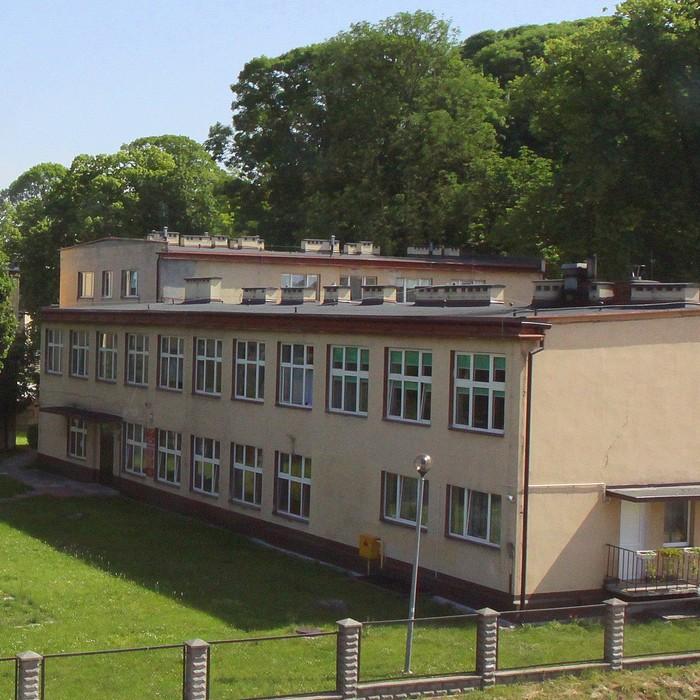 Policealna Szkoła Medyczna w Morawicy zaprasza na swój jubileusz