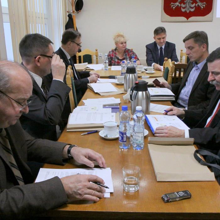 O przyszłorocznym budżecie podczas obrad komisji