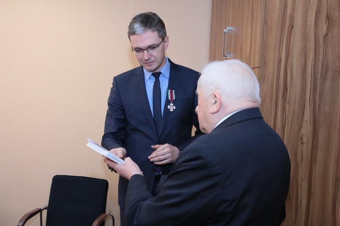 Marszałek odznaczony przez Kombatantów