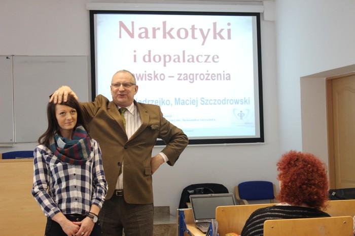 O substancjach psychoaktywnych podczas spotkania w Ostrowcu Świętokrzyskim
