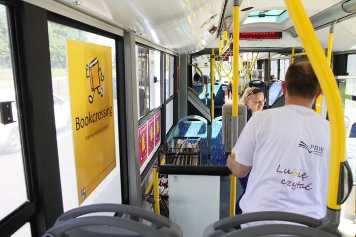 Pedagogiczna Biblioteka Wojewódzka uwolniła książki w autobusie