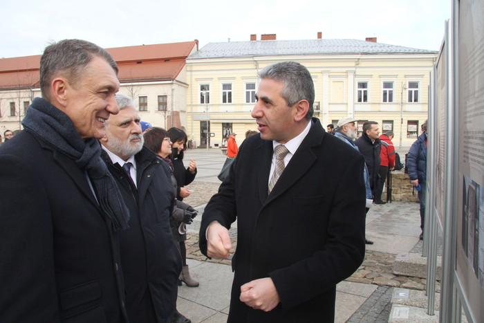 """""""Ormianie polscy, Ormianie kieleccy"""" – nowa wystawa na Rynku w Kielcach"""
