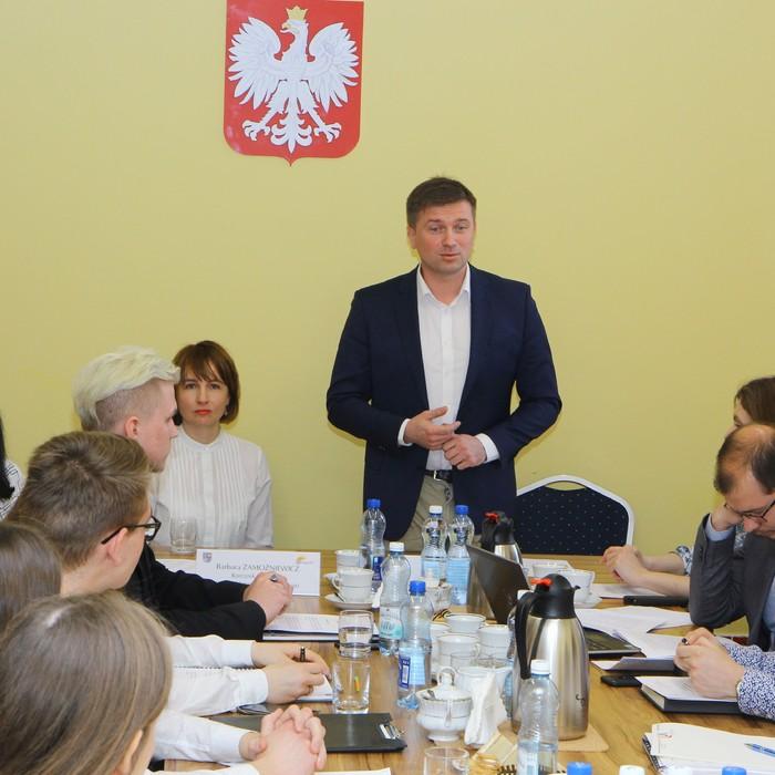 Początek tworzenia Młodzieżowego Sejmiku Województwa Świętokrzyskiego