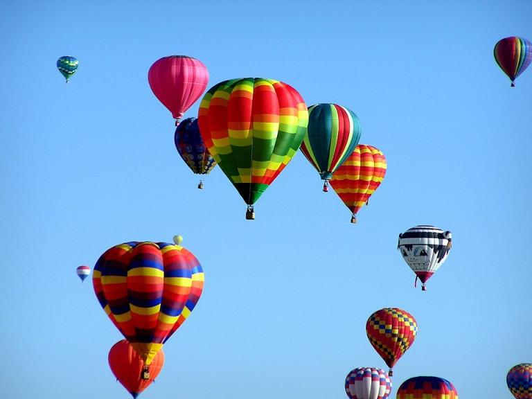 Balonowe loty nad Starachowicami i Wąchockiem