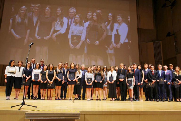 Będą dbać o sprawy młodzieży – inauguracja Młodzieżowego Sejmiku Województwa Świętokrzyskiego
