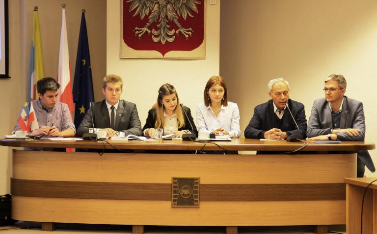 Ustalili komisje i ich skład. Obradował Sejmik Młodzieżowy Województwa Świętokrzyskiego