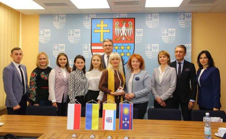 Delegacja z Winnicy zapoznaje się z polityką młodzieżową w naszym regionie