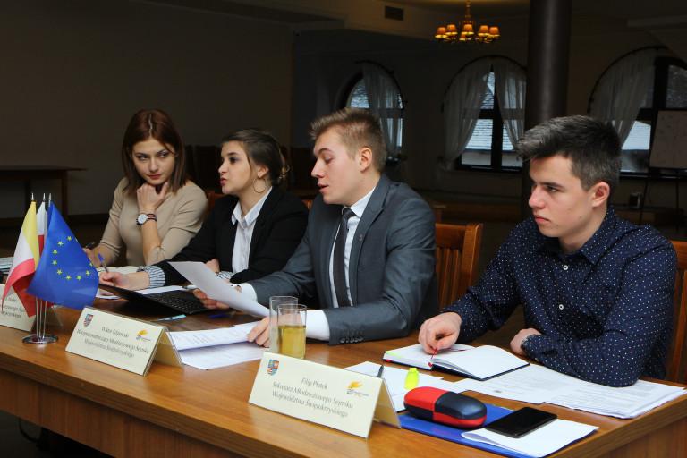 Młodzieżowy Sejmik Województwa obradował po raz trzeci