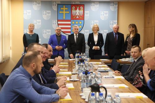 Spotkanie Z Samorządowcami Z Gmin Powiatu Opatowskiego I Sandomierskiego Nt. Funduszy Unijnych