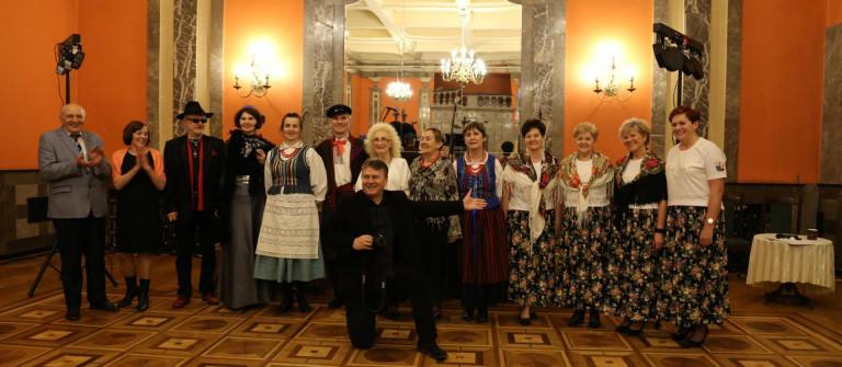 Utalentowani seniorzy zaprezentowali się na scenie WDK