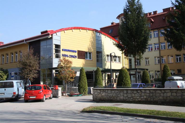 """Sanatorium Uzdrowiskowe """"Nida-Zdrój"""" w Busku-Zdroju"""