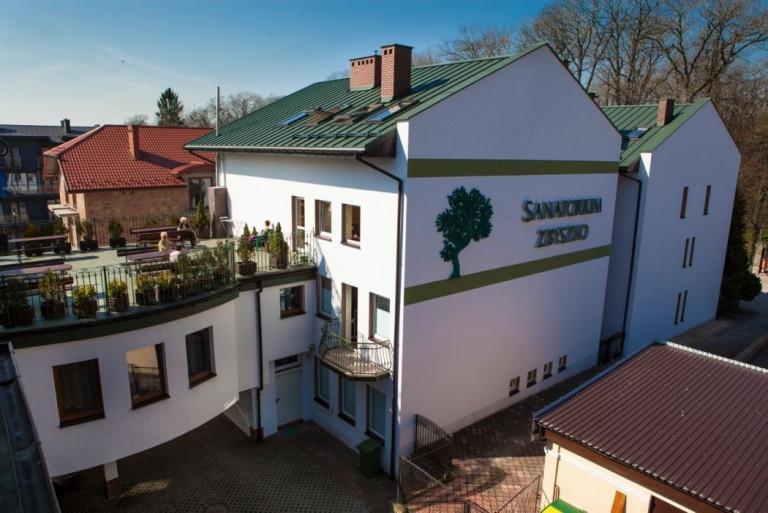 """Sanatorium """"Zbyszko"""" w Busku-Zdroju"""