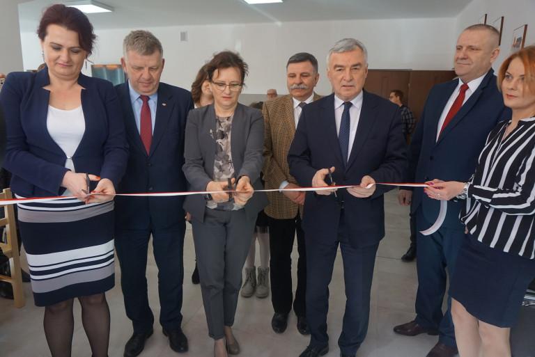 Nowa świetlica i mieszkania socjalne w gminie Kunów
