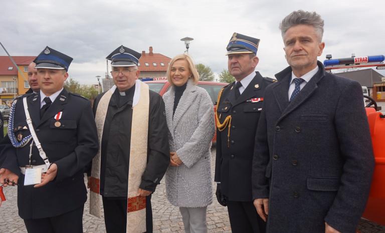 Daleszyccy strażacy pokłonili się świętemu Florianowi