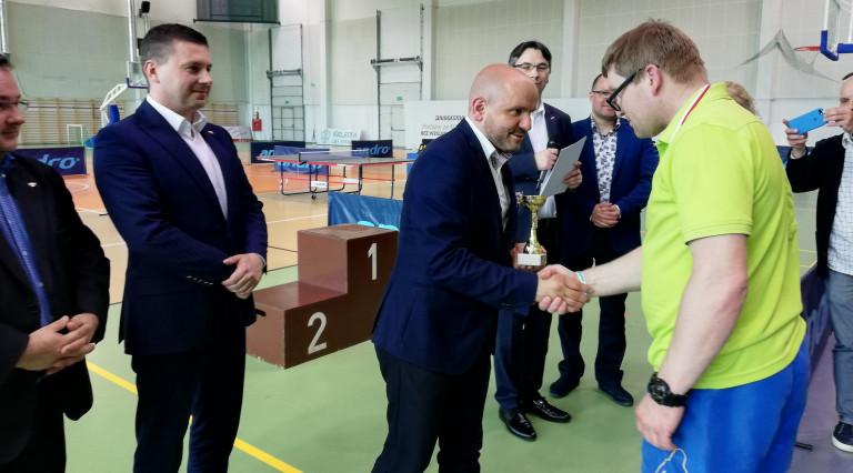 Sportowa rywalizacja i integracja podczas Mistrzostw Województwa Świętokrzyskiego Niepełnosprawnych w Tenisie Stołowym