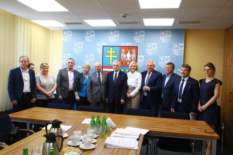 Wsparcie infrastruktury sportowej i dydaktycznej szkół podstawowych z powiatu kieleckiego