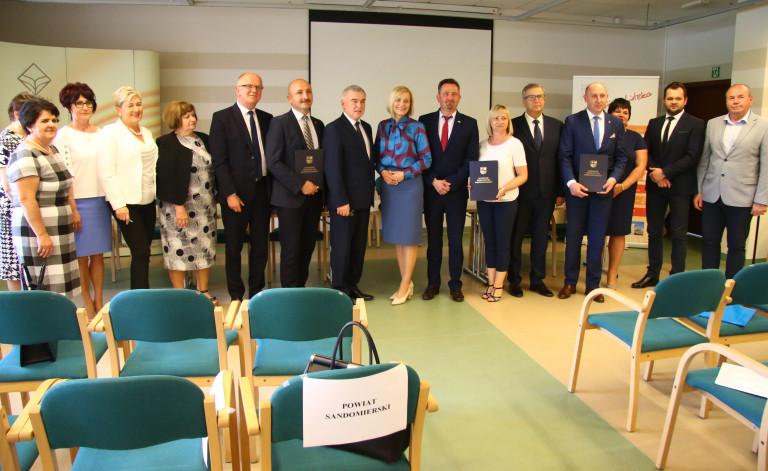 Liderzy kooperacji – samorządy zawarły porozumienia