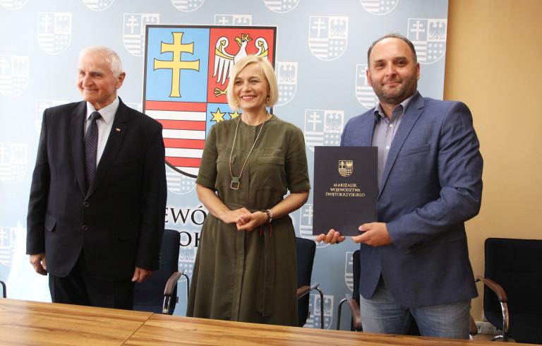 Umowy na organizację imprez aktywizujących sportowo i turystycznie osoby niepełnosprawne podpisane