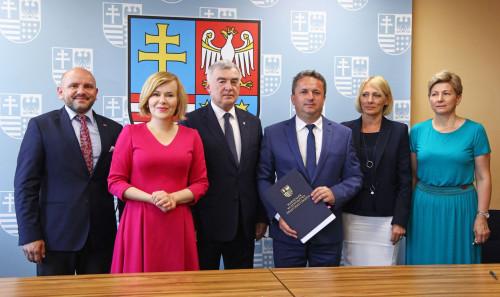 Podpisanie Umowy Z Gminą Staszów (9)