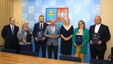 Umowy Na Wsparcie Projektów Społecznych Z Europejskiego Funduszu Społecznego (19)