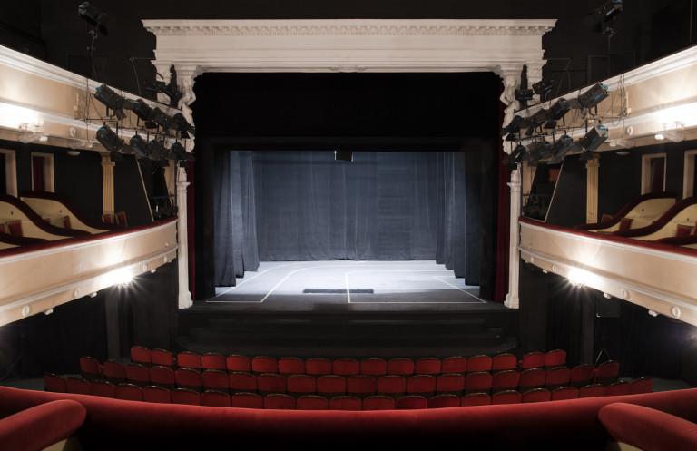 Teatr z dofinansowaniem. Będzie spacer po jego zakamarkach i wystawa