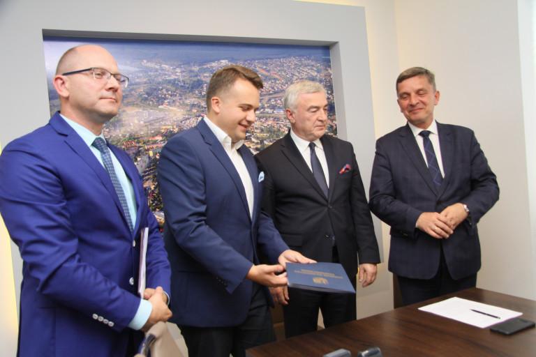 Ponad 20 mln zł dla Starachowic na termomodernizację szkół i przedszkoli