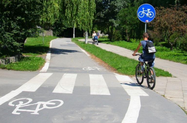 Przyznano pieniądze na budowę tras rowerowych i rozwój miejskiej komunikacji