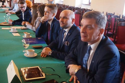 Młodzi radni mogą liczyć na wsparcie przewodniczącego Sejmiku Andrzeja Prusia i Zarządu Województwa Świętokrzyskiego.