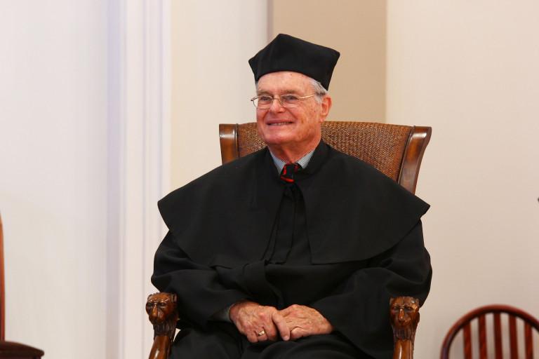Uniwersytet uhonorował wybitnego fizyka. Tytuł doctora honoris causa dla Petera Seybotha
