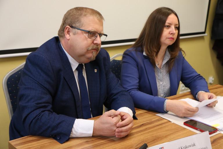Obradowała Komisja Edukacji, Kultury i Sportu