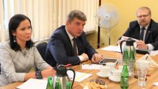 Posiedzenie Komisji Skarg, Wniosków i Petycji (widok ogólny radnych Komisji)