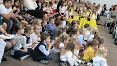 Oddanie Odnowionej Szkoły Podstawowej W Ociesękach (11)