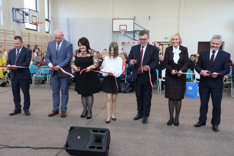 Szkoła Podstawowa w Ociesękach z nową salą i pracowniami