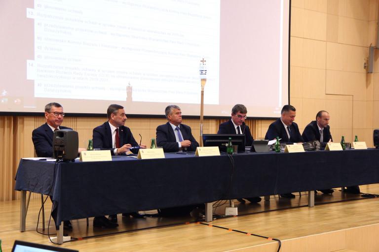 prezydium podczas XIV sesji sejmiku