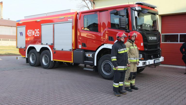 Nowy wóz dla skarżyskich strażaków. Uczczono pamięć założyciela pierwszej skarżyskiej strażnicy