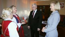 Spotkanie marszałka Andrzeja Bętkowskiego i Wicemarszałek Z Cczłonkami Zespołu Świętokrzyskie Jodły