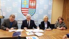 Podpisanie Umów Na Dofinansowanie Projektów RpowŚ 2014 – 2020 Dot. Szkolnictwa Zawodowego, Zdrowia Pracowników Oraz Długotrwałej Opieki Medycznej (22)