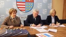 Podpisanie Umów Na Dofinansowanie Projektów RpowŚ 2014 – 2020 Dot. Szkolnictwa Zawodowego, Zdrowia Pracowników Oraz Długotrwałej Opieki Medycznej (9)