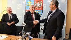 Uroczystość Podp[isania Umowy Plan Ogólny Andrzej Betkowski, Marek Bogusławski, Youssef Sleiman (10)