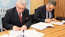 Uroczystość Podp[isania Umowy Plan Ogólny Andrzej Betkowski, Marek Bogusławski, Youssef Sleiman (13)