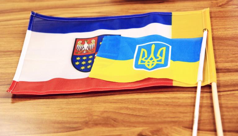 Flaga świętokrzyska I Ukraińska