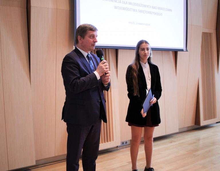 Warto tworzyć młodzieżowe rady, warto zgłosić akces do Młodzieżowego Sejmiku II kadencji. Duże zainteresowanie konferencją