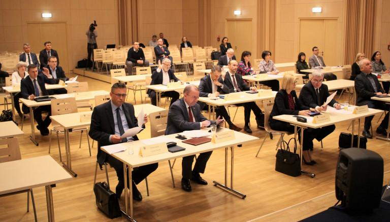 Sejmik Województwa Świętokrzyskiego przyjął plan zapobiegania i zwalczania zakażenia koronawirusem