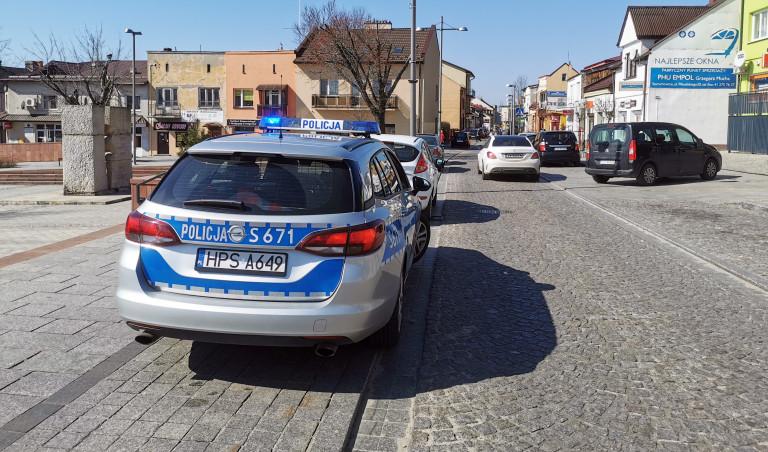 Policjanci i strażnicy miejscy przypomną o konieczności pozostania w domu