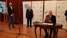 Podpisnie Umowy O Współprwadzeniu Teatru Przez Ministerstwo Kultury I Dziedzictwa Narodowego