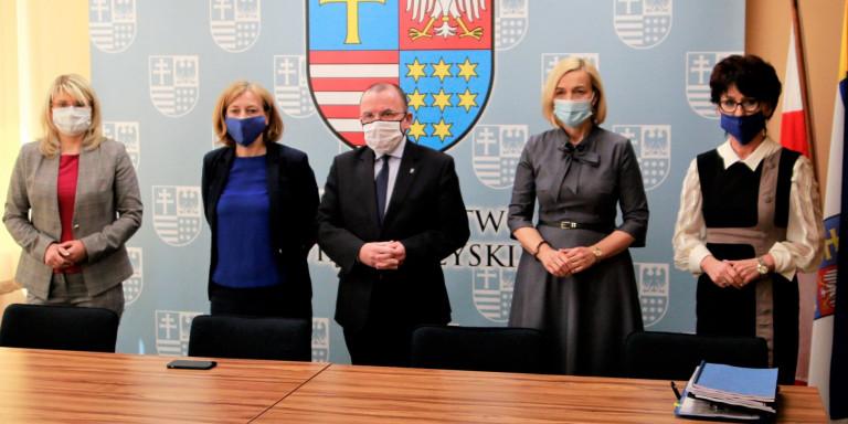 Spotkanie Zarządu Województwa świętokrzyskiego Z Przedstawicielami Szpitali 7 Maja 2020