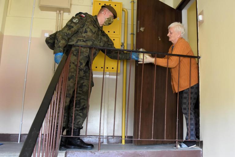 Terytorialsi pomagają seniorom w Skarżysku-Kamiennej